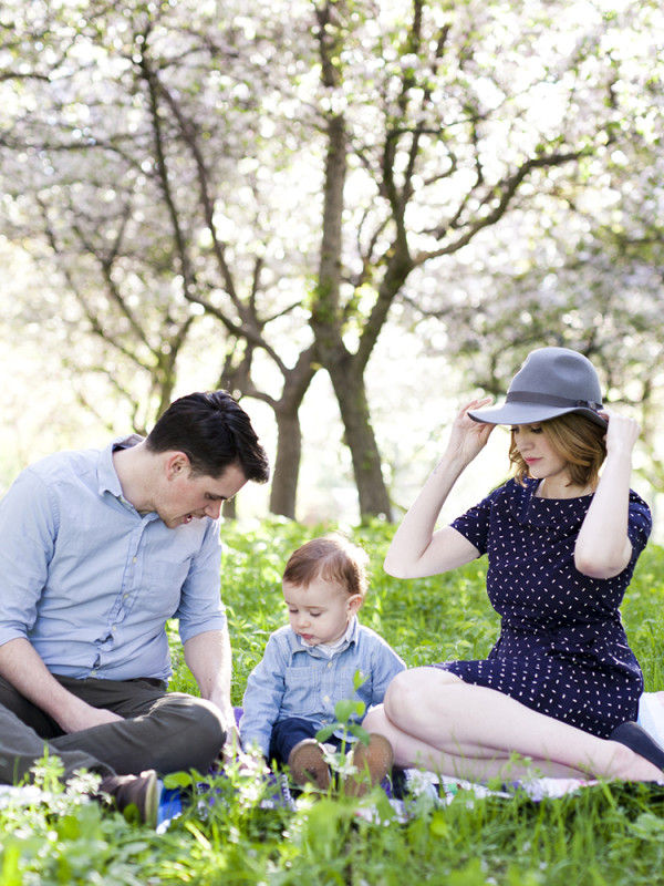Crabapple Tree Family Session in Ottawa