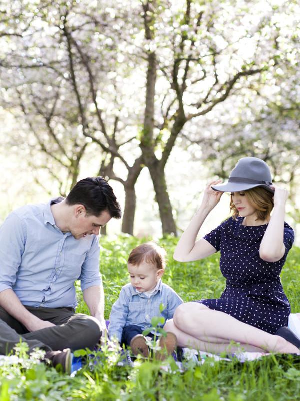Crabapple Tree Family Session in Ottawa