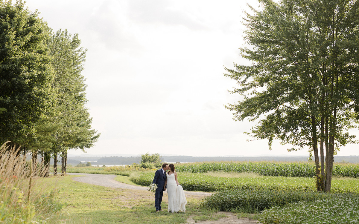 Bailey & Brendan's Rustic Chic Barn Wedding in White Lake Ontario